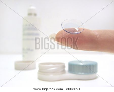 Kontaktlinsen und Zubehör
