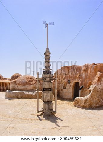 6/28/2010 - Tozeur, Tunisia: Abandoned Movie Sets From