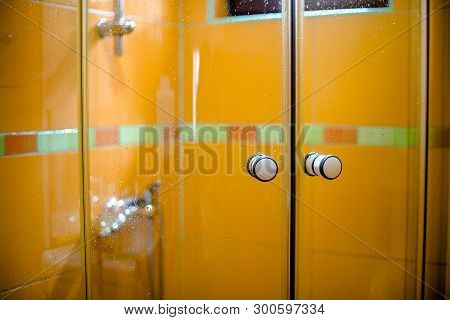 Shower Cabin With Sliding Glass Doors.cabin With Sliding Glass Doors.