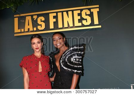 LOS ANGELES - MAY 10:  Jessica Alba, Gabrielle Union at the