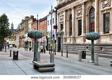 Doncaster, Uk - July 12, 2016: Street View In Downtown Doncaster, Uk. It Is One Of Largest Towns In