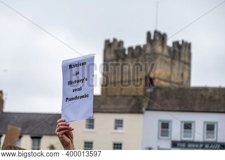 Richmond, North Yorkshire, Uk - June 14, 2020: An Anti-racism Placard In Front Of Richmond Castle, N