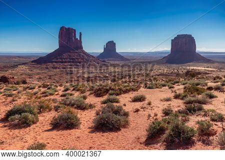 Arizona Desert, Monument Valley Early Morning, Arizona, Usa