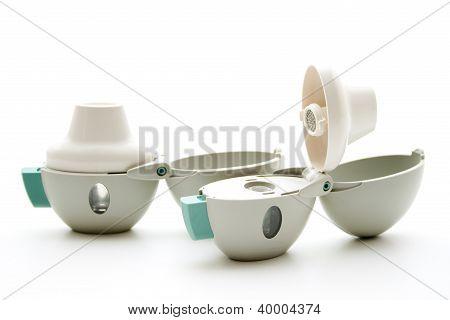Inhaler to inhale medicine