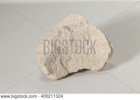 Rock Sample Made Up Of Sepiolite Clay, Absorbent Clay, Used For Cat Beds, Lighten Constructions. Ver