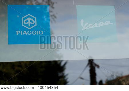 Bordeaux , Aquitaine  France - 12 15 2020 : Piaggio And Vespa Dealership Sign Text And Logo Front Of
