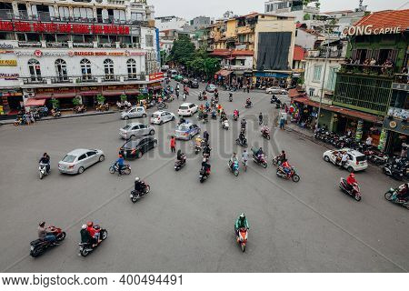 Hanoi, Vietnam - October 16, 2018: View Of A Famous Chaotic Traffic At The Dong Kinh Nghia Thuc Squa
