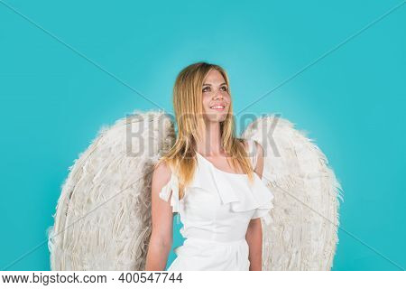 Valentines Angel Girl. Valentines Day Cupid. Angel Woman. Cupid Girl In Valentine Day. Cute Cupid Gi