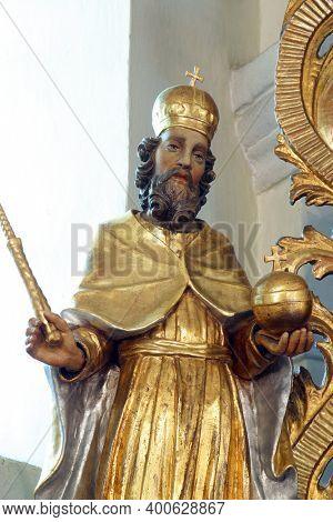SVETI PETAR MREZNICKI, CROATIA - JULY 14, 2013: St. Stephen of Hungary, statue on the high altar in the parish church of St. Peter in Sveti Petar Mreznicki, Croatia