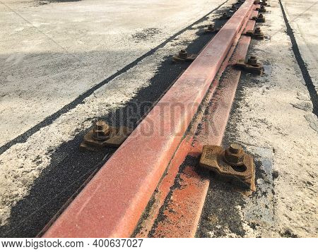 Gantry Crane Rail Fastened To Concrete Foundation With Anchor Bolts