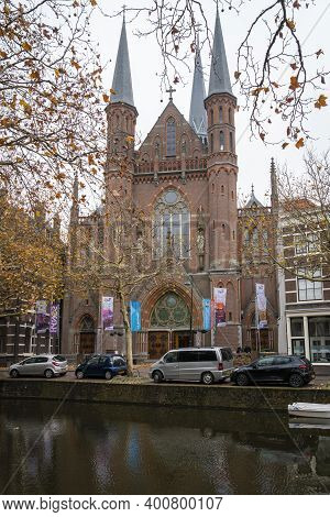 Gouda, Netherlands, November 2018 - View Of A Church Across The Canal In The City Of Gouda, Netherla