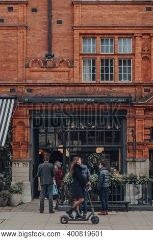London, Uk - December 5, 2020: Facade Of Hr Higgins Coffee Shop In Mayfair, An Affluent Area In The