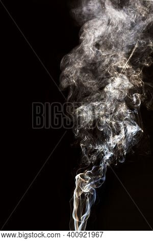 Abstract White Puffs Of Smoke Swirls Overlay On Black Background Pollution. Royalty High-quality Fre