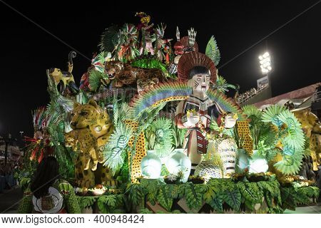 Rio, Brazil - February 23, 2020: Parade Of The Samba School Grande Rio, At The Marques De Sapucai Sa