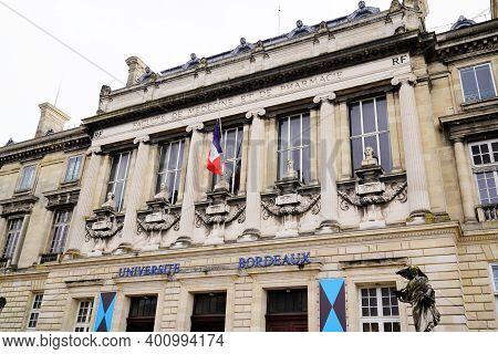 Bordeaux , Aquitaine  France - 12 19 2020 : Bordeaux University Historical Building With Flag Logo A