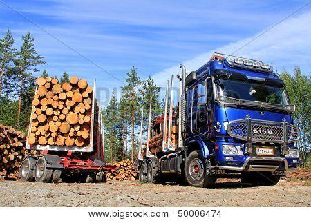 Sisu Logging Truck And Trailer Full Of Wood