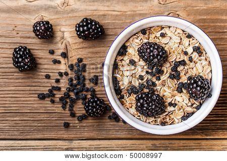 Museli With Blackberries