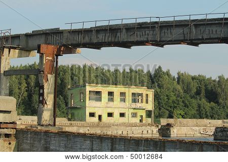 Former Soviet submarine base