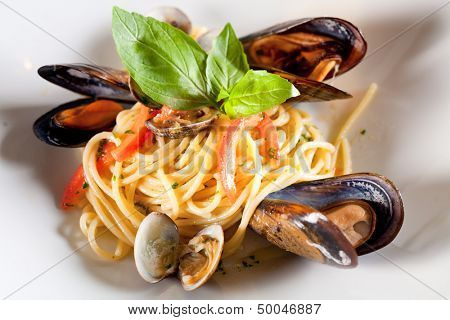 pasta with seafood (mussels).