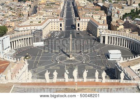 Breathtaking Panoramic View Of St. Peter's Square In Vatican City 2