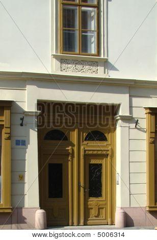 Oldstyle Door