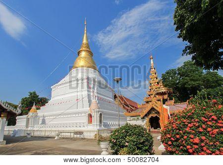 Wat Thai (Temple at Lampang)