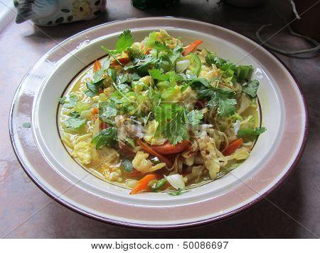 Ramen Noodles and Fresh Veggie Soup