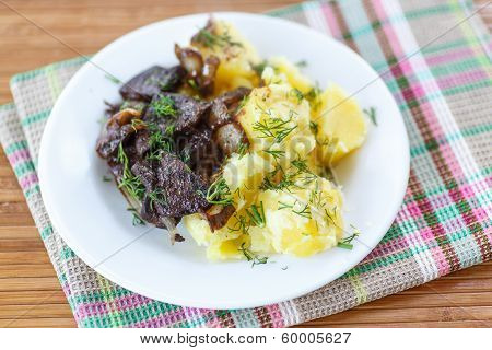 Liver Fried With Boiled Potatoes