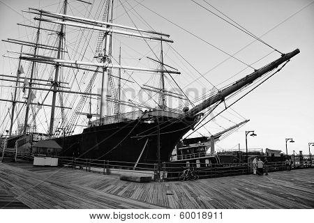 lipper Ship Peking