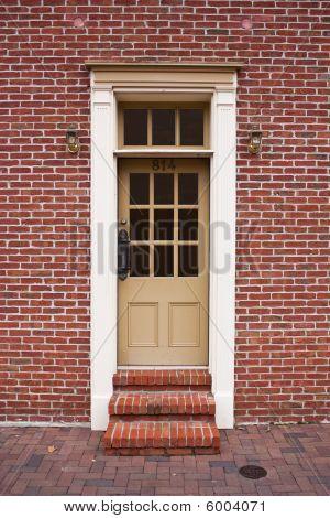 Door 814