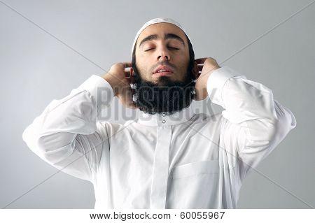 Mrabian muslim man praising God