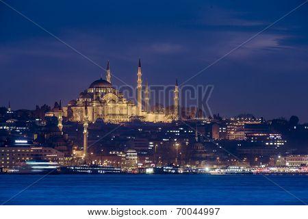 Suleimanie Mosque at night in Istanbul