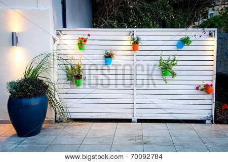 Outdoor Minimalistic Flower Wall Decoration