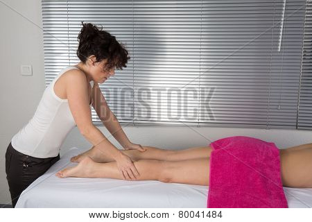A Physio Therapist Gives Myotherapy Using