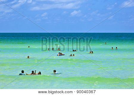 People Enjoy The Beach Im Miami South