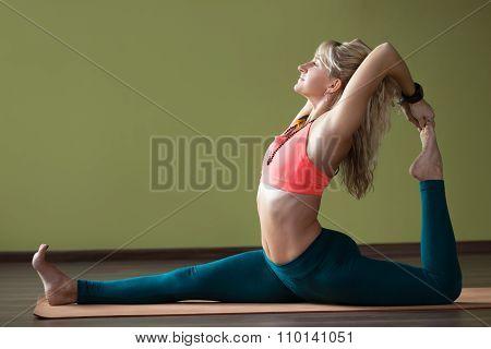 Eka Pada Radjakapotasana Yoga Pose