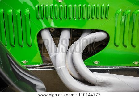 Engine pipes
