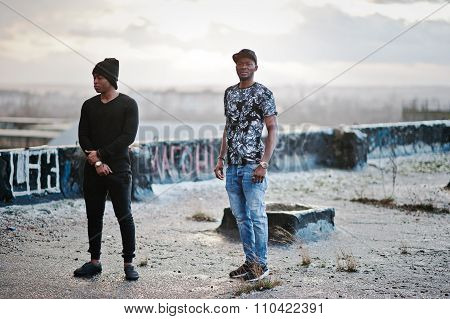 Two Gangsta Man On The Roof