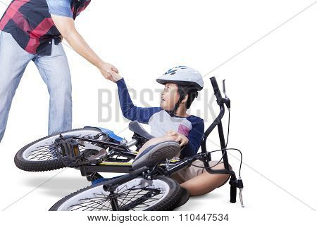 Boy Get Helps From His Dad After Falling From Bike