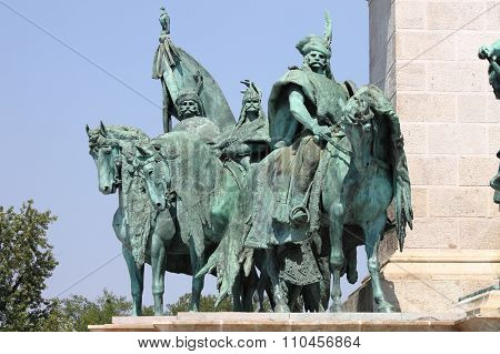 Equestrian statue in Heroes Square