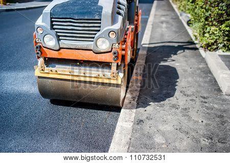 Heavy Vibration Roller Compactor At Asphalt Pavement Works For Road construction