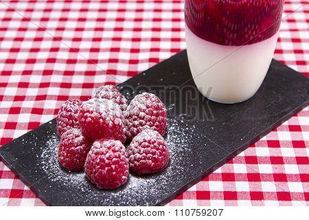 Raspberry panacotta