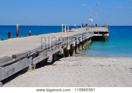Coogee Beach Jetty:Diminishing Perspective