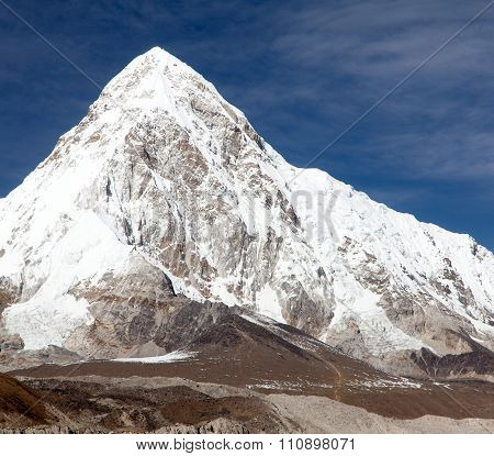View Of Mount Pumo Ri And Kala Patthar