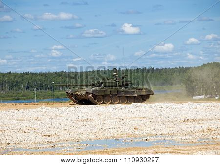 Tank T-72 at the test site