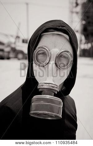 Man in gasmask