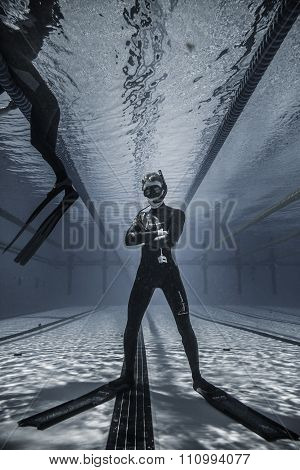 Epic Shot Of A Freediver In The Bottom Of The Pool... Just For Fun !