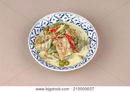 Green Fermented Flour Curry  With  Mixed Herb.