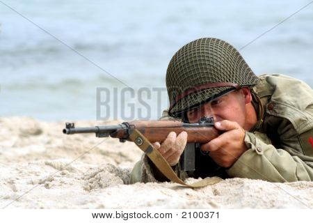 Shooting American Soldier