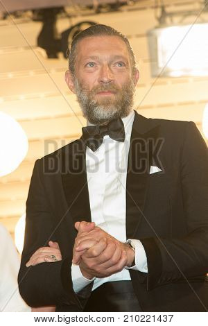 CANNES, FRANCE - MAY 19, 2016: Vincent Cassel  attends the 'It's Only The End Of The World (Juste La Fin Du Monde)'  premiere during the 69th annual Cannes Film Festival at the Palais des Festivals